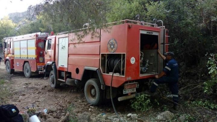 Σε ύφεση η πυρκαγιά στην περιοχή Κάζα στα Βίλια -Επιχειρούν ισχυρές πυροσβεστικές δυνάμεις