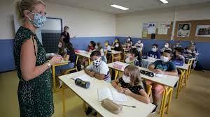 Γαλλία: Πετάνε τις μάσκες στα Δημοτικά Σχολεία