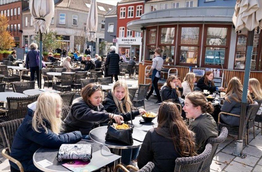 Πέταξαν τις μάσκες στην Δανία – Τέλος όλοι περιορισμοί