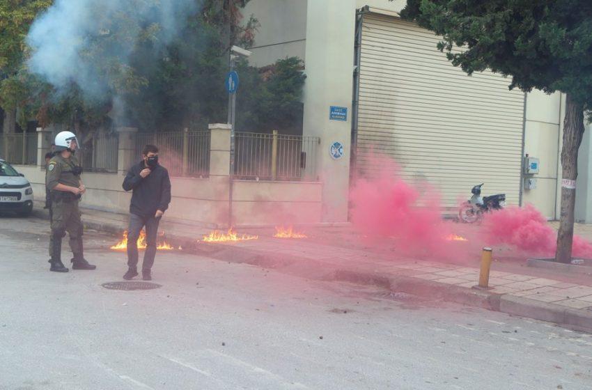 """ΚΚΕ: """"Εγκληματική επίθεση χρυσαυγίτικων, εθνικιστικών και ναζιστικών ομάδων"""" στο ΕΠΑΛ Σταυρούπολης"""