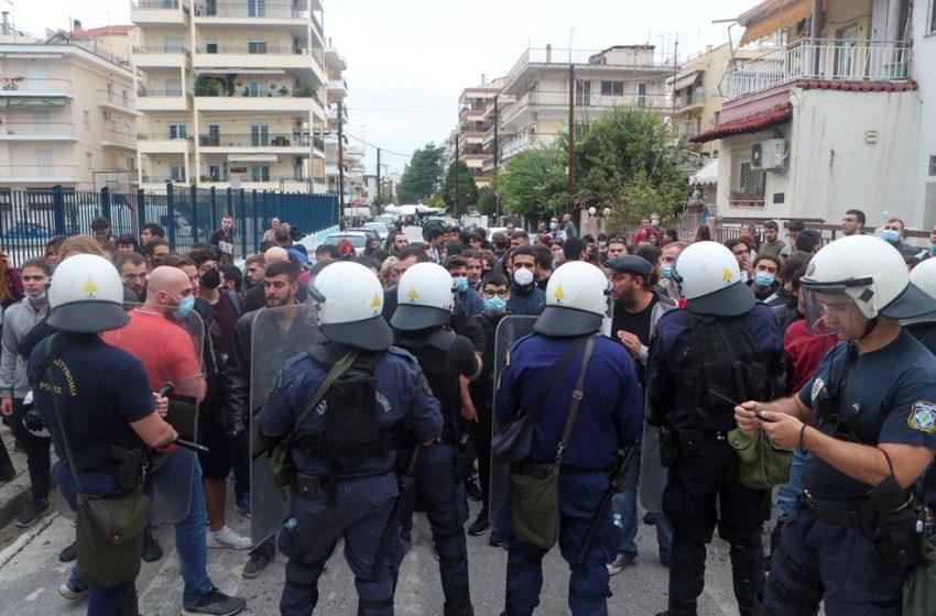 Αντιφασιστική πορεία φοιτητών στη Σταυρούπολη (vid)