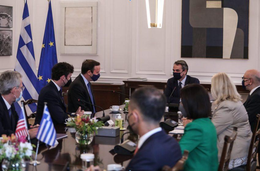 Ανατολική Μεσόγειος, Μέση Ανατολή και Αφγανιστάν στο επίκεντρο της συνάντησης Μητσοτάκη με τους Αμερικάνους Γερουσιαστές