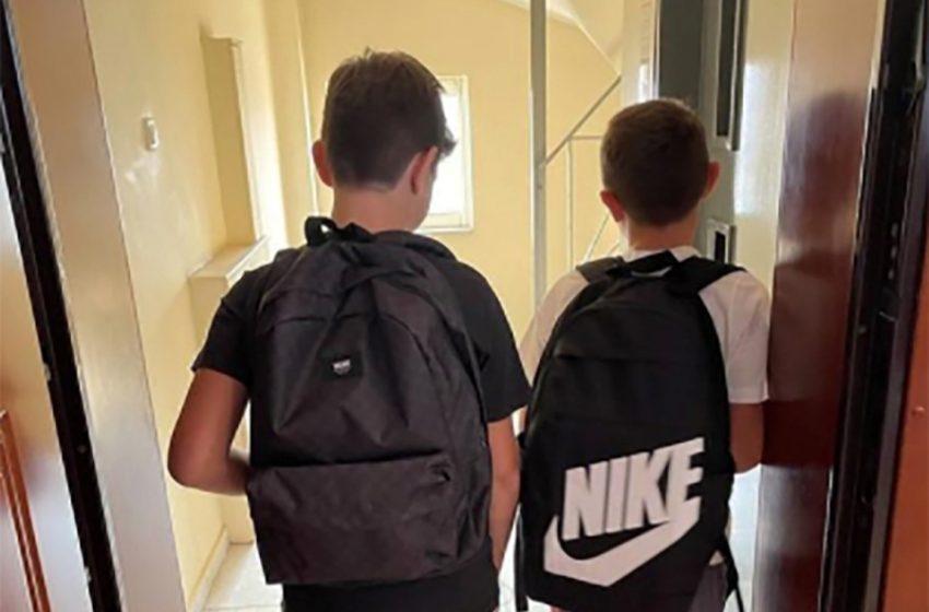 Άνοιγμα σχολείων: Η ανάρτηση του Τσίπρα με τους γιους του