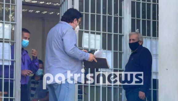 Ποινή φυλάκισης 14 μηνών στον πατέρα-αρνητή που είχε ντυθεί τσολιάς