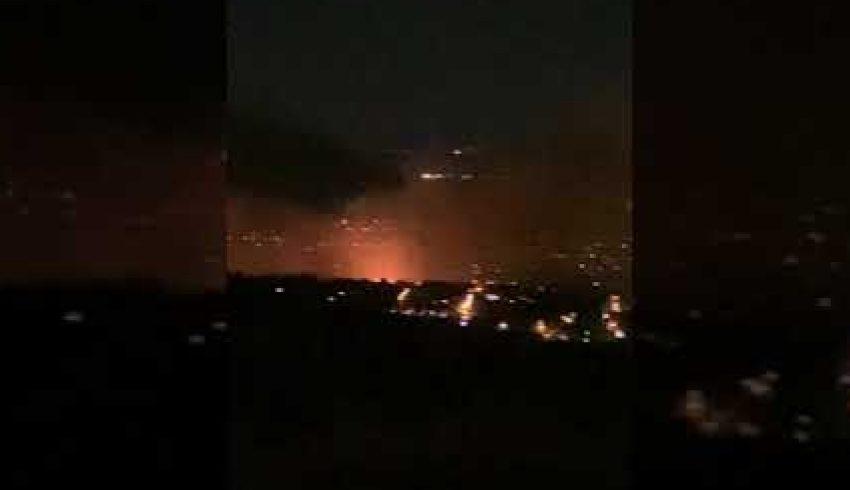 Φωτιά στη Νέα Μάκρη: Εκκενώθηκαν οικισμοί- Κάηκαν σπίτια