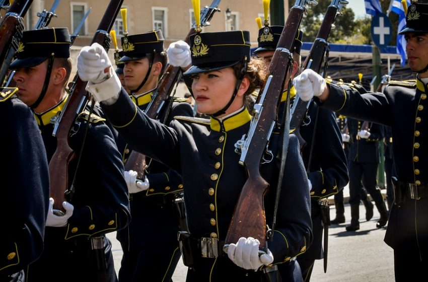 ΣτΕ για γυναίκες σε στρατιωτικές σχολές: Αντισυνταγματική η απόφαση που έβαζε όριο ύψους 1,65