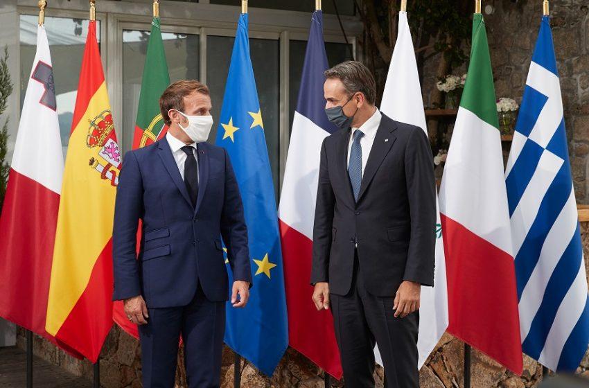 Στη Γαλλία αύριο ο Μητσοτάκης – Συνάντηση με Μακρόν
