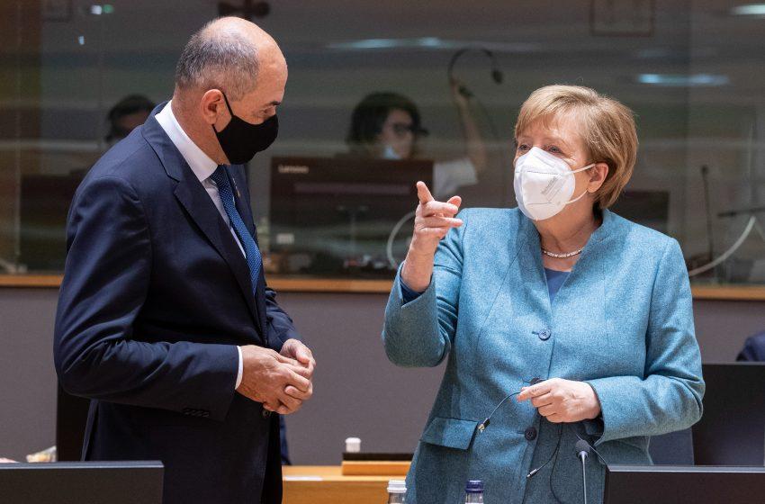 """""""Εμβολιαστείτε"""" η έκκληση της Μέρκελ – Μόλις στο 62% οι εμβολιασμένοι στη Γερμανία"""