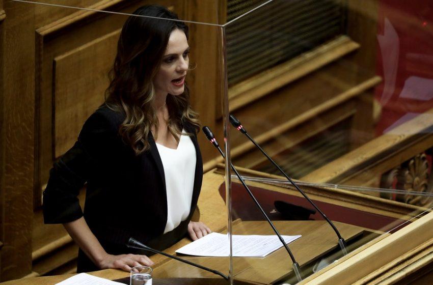 Αχτσιόγλου: Επί διακυβέρνησης του ΣΥΡΙΖΑ διατηρήθηκε ο έλεγχος της ΔΕΗ από το Δημόσιο