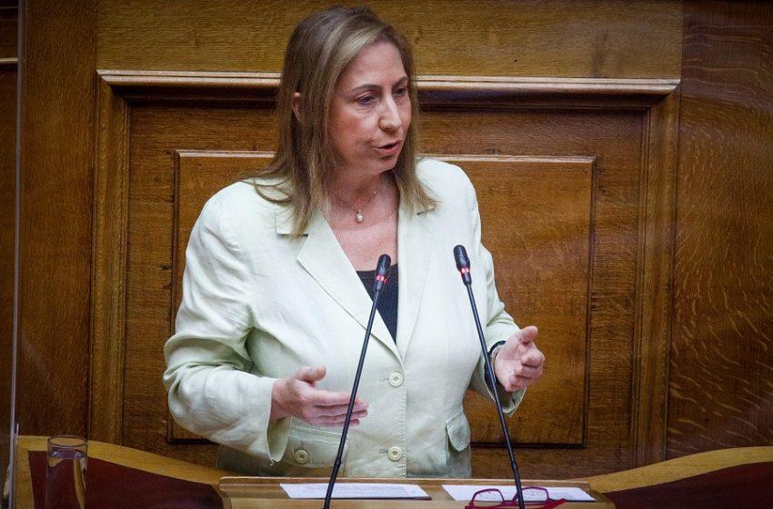 Ξενογιαννακοπούλου: Ο αντεργατικός νόμος Χατζηδάκη οδηγεί σε ανεξέλεγκτες και μαζικές απολύσεις