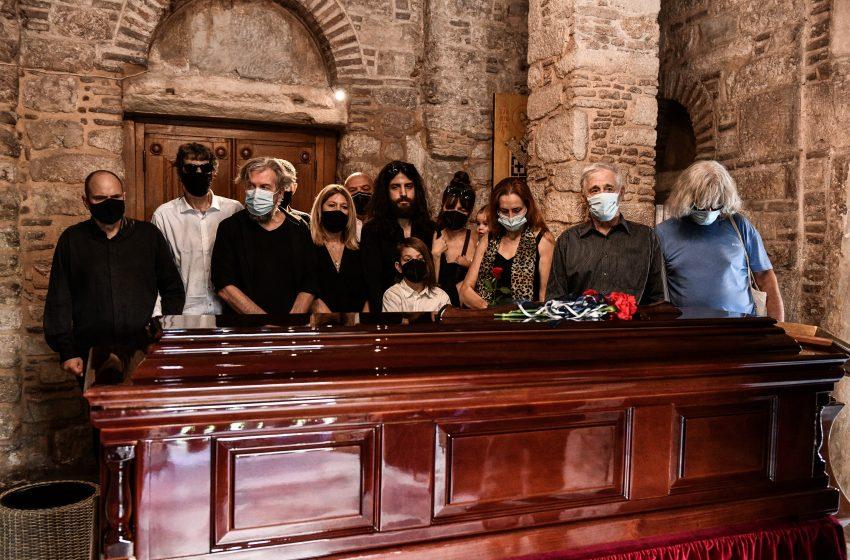 Παρών στην κηδεία του Μίκη Θεοδωράκη ο πρωθυπουργός
