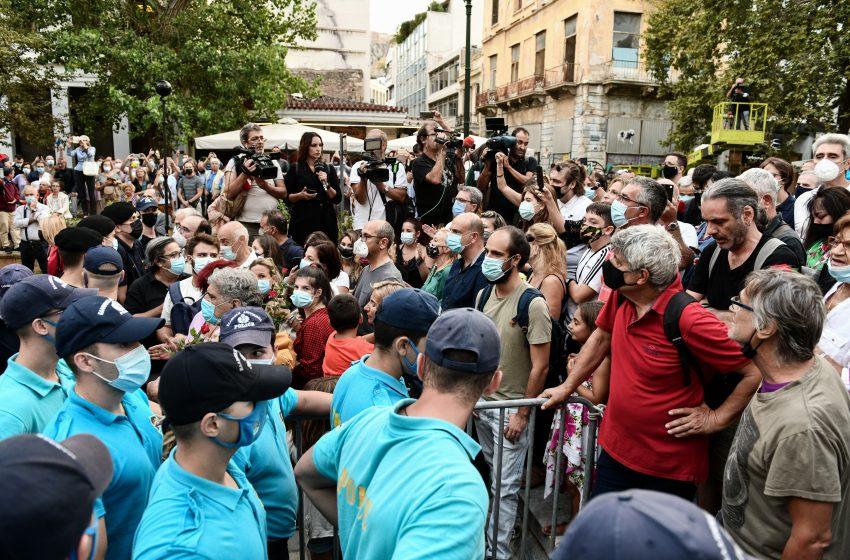 Μίκης Θεοδωράκης: Ένταση στο λαϊκό προσκύνημα