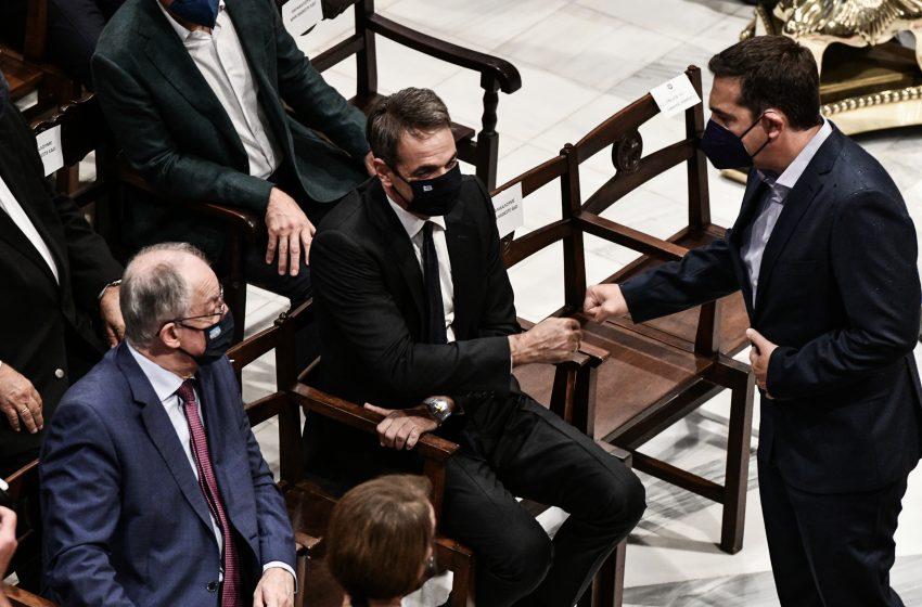 Μίκης Θεοδωράκης – Στο Γαλατά Χανίων Μητσοτάκης και Τσίπρας για την ταφή