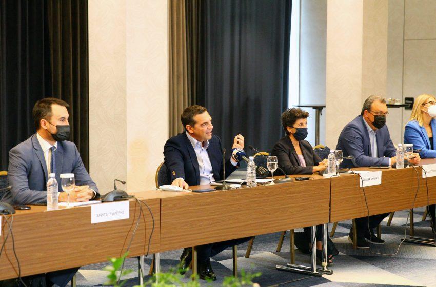 """Τσίπρας: Ανεύθυνη, αν όχι εγκληματική η στρατηγική της κυβέρνησης-Εκρηκτικό """"μείγμα προβλημάτων"""""""