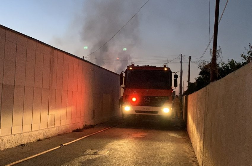 Συναγερμός στην πυροσβεστική – Φωτιά στα Σπάτα
