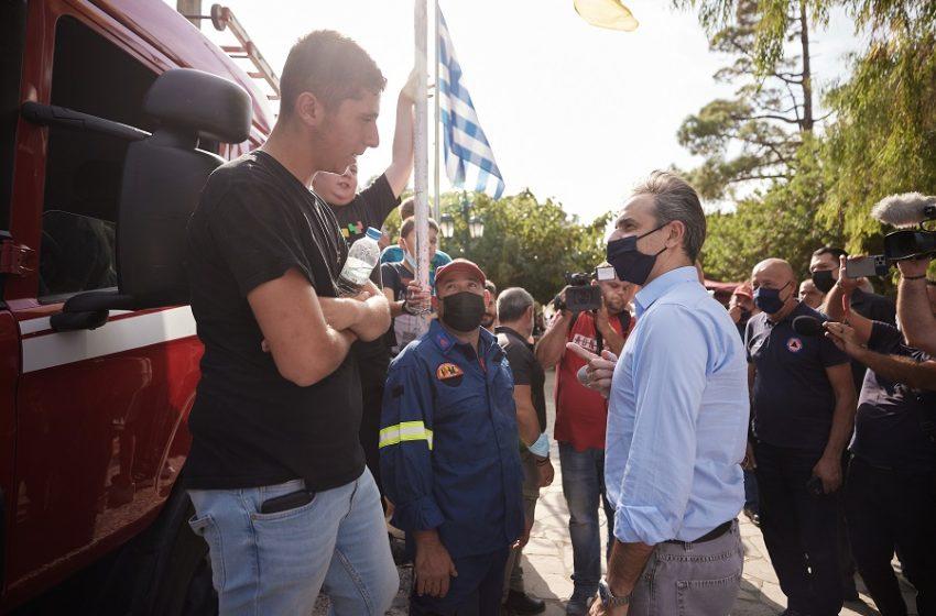 """ΣΥΡΙΖΑ κατά Μητσοτάκη: Έριξε την ευθύνη στους σεισμόπληκτους για """"μη σωστή"""" κατασκευή των σπιτιών"""