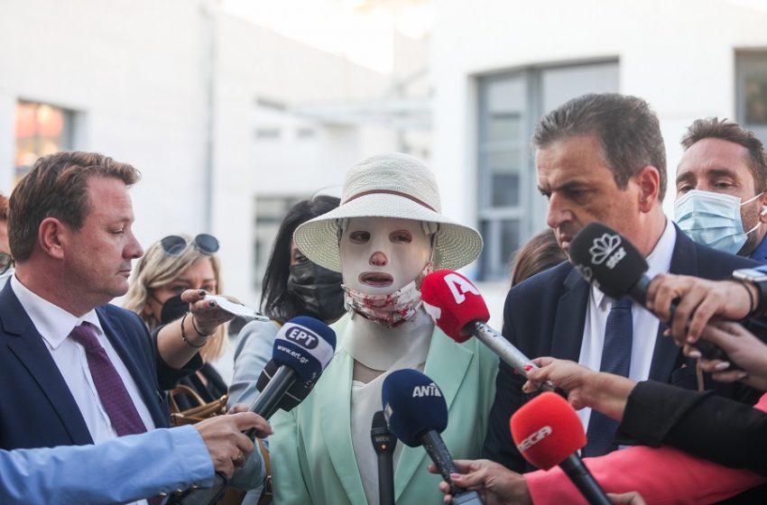 """Δίκη για βιτριόλι-Ξέσπασε η Ιωάννα: """"Θα με αποτελειώσει όταν αποφυλακιστεί"""""""