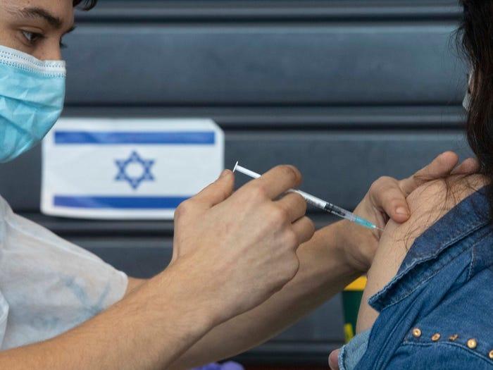 Στο Ισραήλ ετοιμάζονται για την 4η δόση – Εμβολιασμός κάθε 6 μήνες ή μια φορά το χρόνο