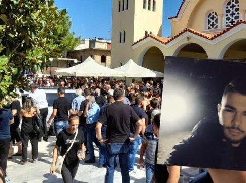 Κρήτη: Σε κλίμα οδύνης η κηδεία του 17χρονου Ματθαίου