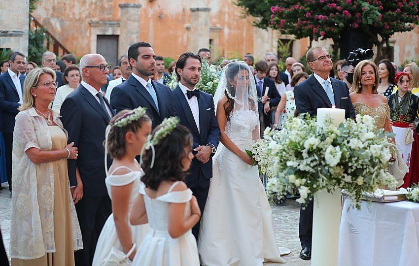 Λαμπερός γάμος στα Χανιά με καλεσμένο τον πρωθυπουργό