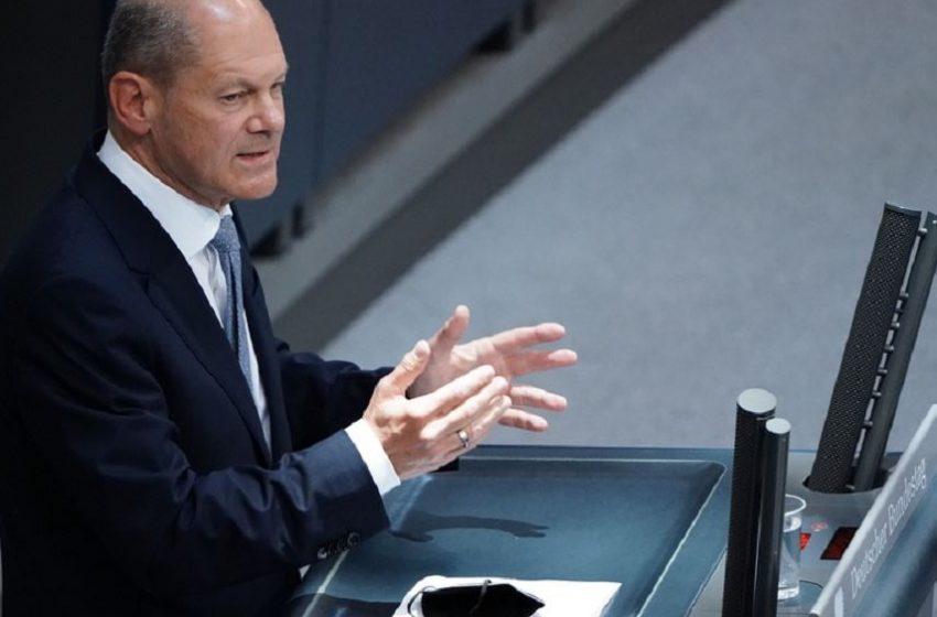 Γερμανία: Προβάδισμα για SPD και Σολτς σε νέα δημοσκόπηση