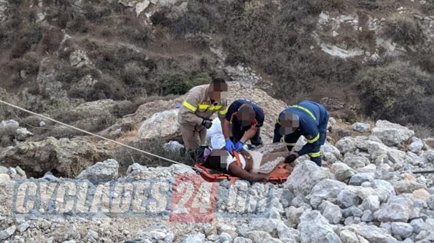 Τροχαίο-σοκ στη Σαντορίνη: Έπεσαν με γουρούνα σε γκρεμό 20 μέτρων – Δύο τουρίστριες τραυματισμένες