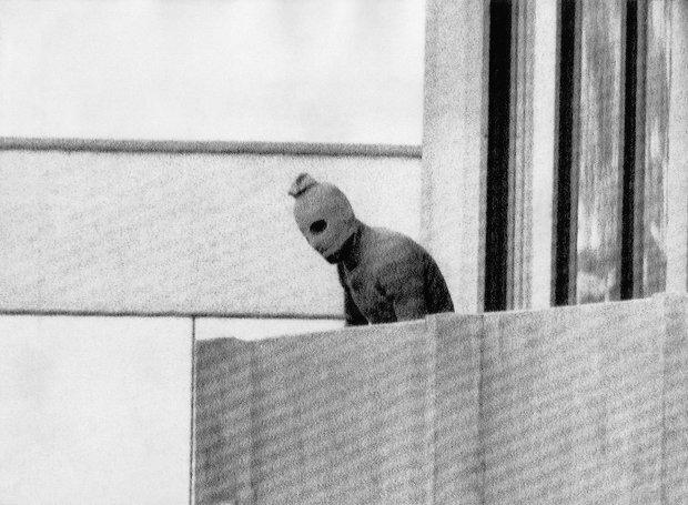 """Η σφαγή στο Μόναχο- Ο """"Μαύρος Σεπτέμβρης"""" και η τρομοκρατική επίθεση (5/9/1972) στο Ολυμπιακό Χωριό"""