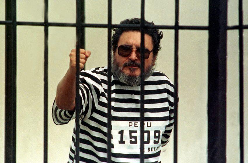 """Αμπιμαέλ Γκουσμάν: Αποτεφρώθηκε το πτώμα του ιδρυτή του """"Φωτεινού Μονοπατίου"""""""