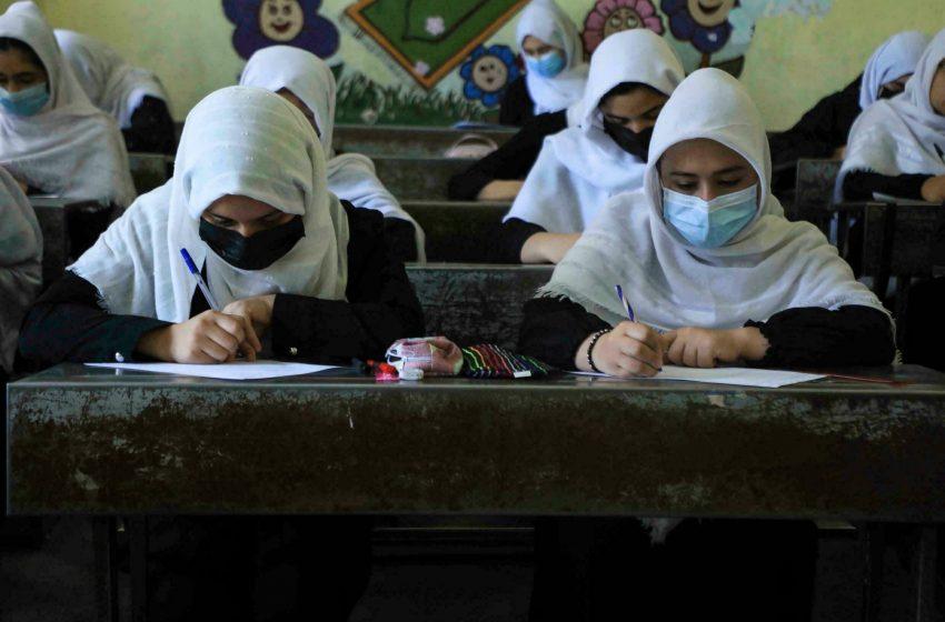 Η UNESCO ζητά την επιστροφή των κοριτσιών στις σχολικές αίθουσες