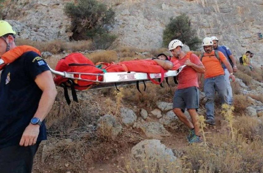 Χανιά: Ολοκληρώθηκε η επιχείρηση διάσωσης άνδρα στα Λευκά Ορη -Μεταφέρθηκε στο νοσοκομείο της πόλης