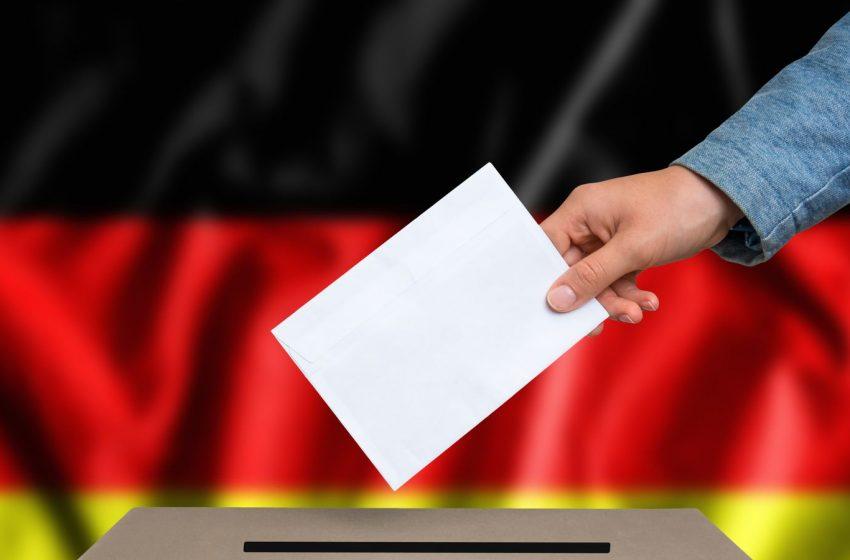 """Η ώρα της κάλπης στη Γερμανία: Τα σενάρια για τις μετεκλογικές συμμαχίες – Κλειδί η αύξηση της δύναμης των  """"Πρασίνων"""" και η… σφήνα του Die Linke"""