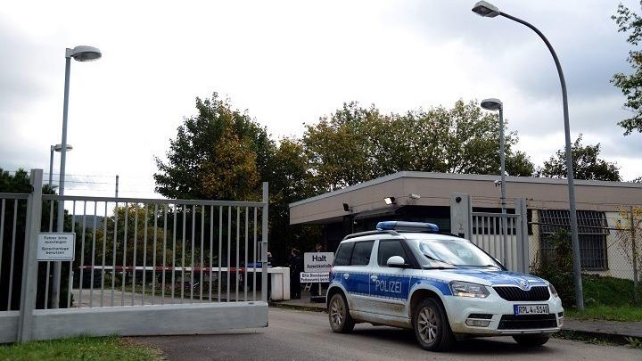 """""""Σεισμός"""" στη Γερμανία: Η εισαγγελία κατέσχεσε έγγραφα σε υπουργεία για ξέπλυμα χρήματος"""