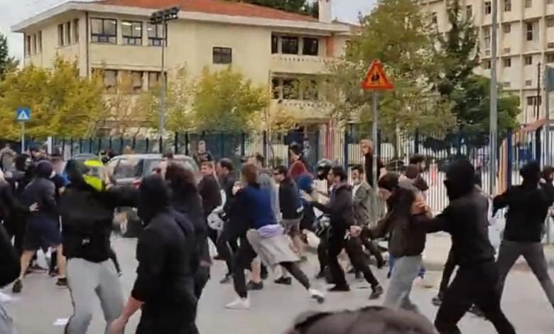 Επανεμφάνιση της Χρυσής Αυγής – Αντιφασιστική συγκέντρωση μετά την επίθεση σε φοιτητές – Καταδικάζουν ΣΥΡΙΖΑ, ΜέΡΑ 25 (vid)