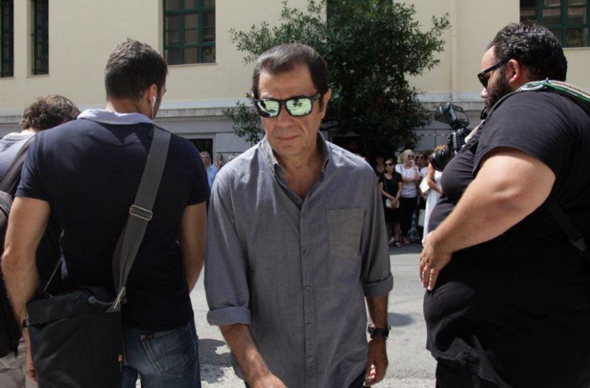 Διαψεύδει ότι δίνει… μάχη για τη ζωή του ο Δάνης Κατρανίδης