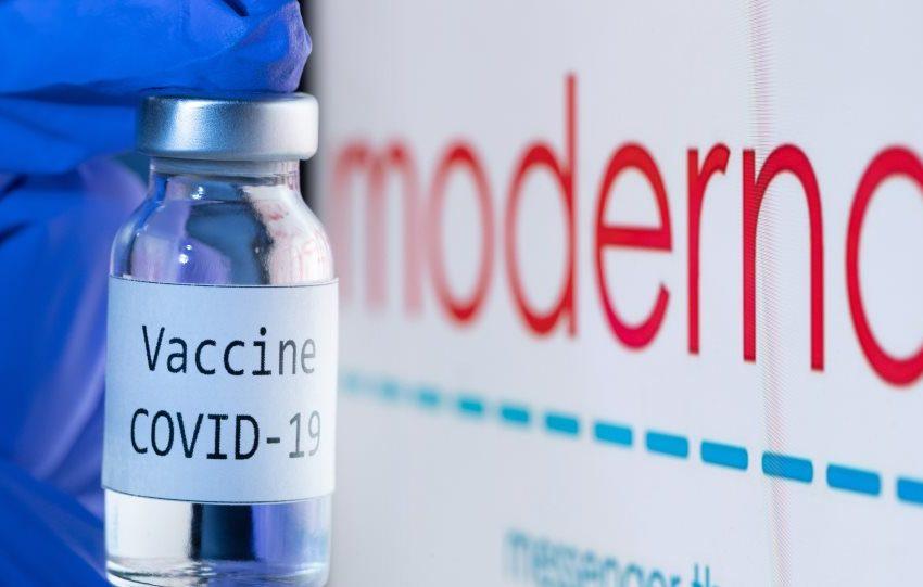 H Moderna ετοιμάζει μονοδοσικό εμβόλιο για τρίτη δόση κοροναϊού και γρίπη