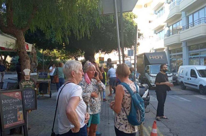 Ισχυρός σεισμός 5,8 Ρίχτερ στην Κρήτη – Βγήκαν στο δρόμο οι κάτοικοι του Ηρακλείου