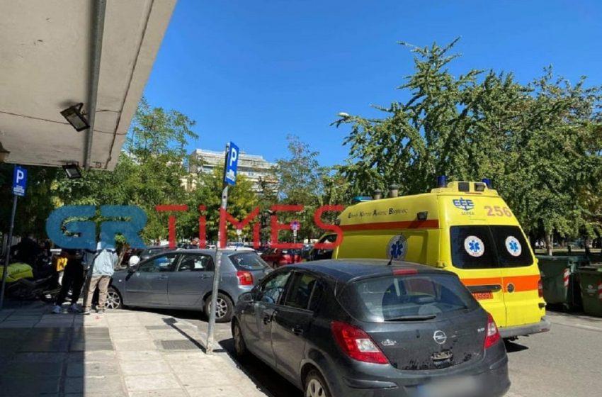 Αιματηρή συμπλοκή στην πλατεία Αριστοτέλους στη Θεσσαλονίκη, με έναν τραυματία