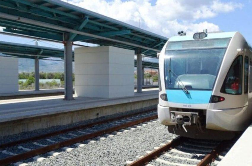 Αίγιο: Ακινητοποιήθηκε το τρένο για Κιάτο – Εγκλωβισμένοι οι επιβάτες
