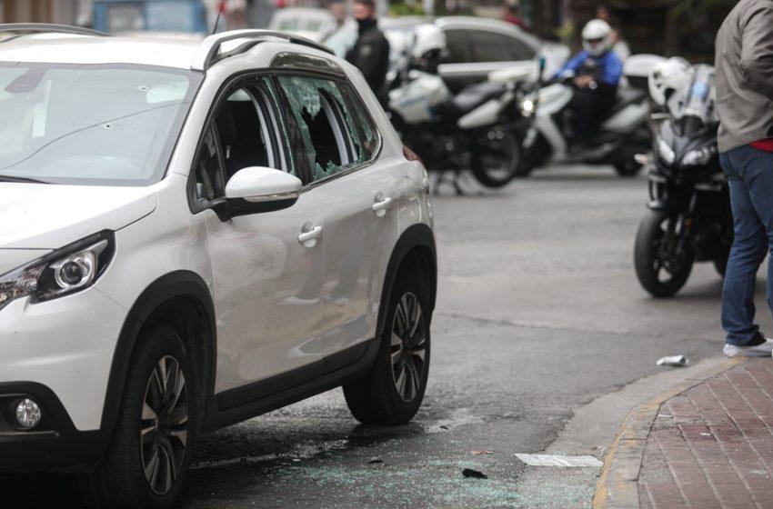 Ποιός είναι ο 35χρονος που εμβόλισε αστυνομικούς στο κέντρο της Αθήνας