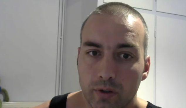 Επιμένει ο αρνητής αστυνομικός – Νέο βίντεο μετά τη διαθεσιμότητα (vid)