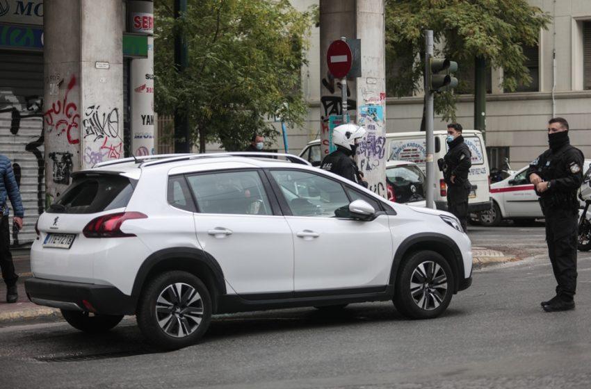 Πυροβολισμοί στη Μάρνης: Kλεμμένο από σχολείο το αυτοκίνητο – Τα ξεχασμένα κλειδιά στη μηχανή και το κινητό στην τσάντα