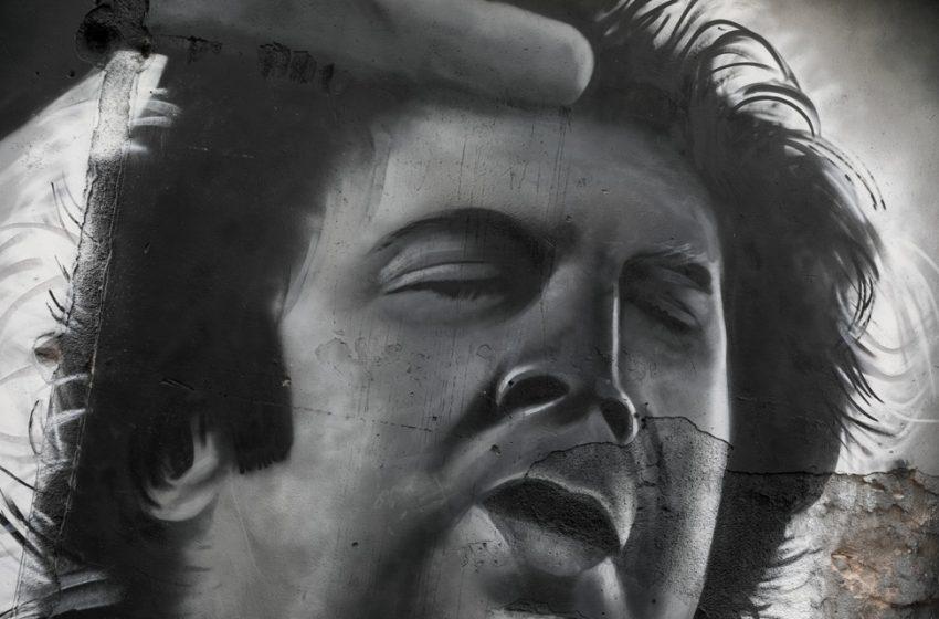 Προσωπογραφία του Μίκη Θεοδωράκη στου Ψυρρή από τον Hambas