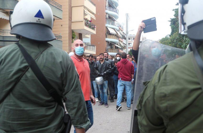 """ΕΠΑΛ Σταυρούπολης: """"Ανέβασε τη μάσκα σου αστυνόμε"""" (vid)"""