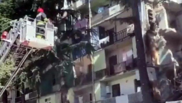 Γεωργία: Κατέρρευσε πενταώροφο κτίριο – Πληροφορίες για εγκλωβισμένους (vid)