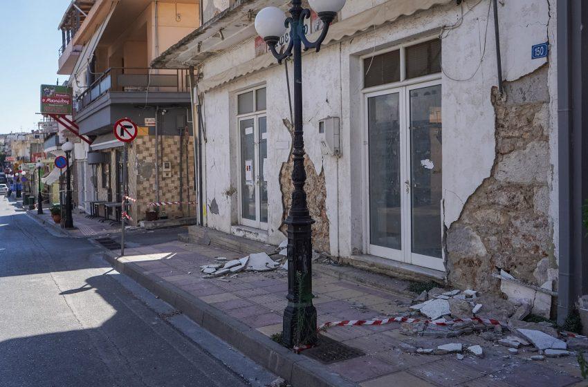 Οι πρώτοι σεισμόπληκτοι του Αρκαλοχωρίου μπαίνουν στους οικίσκους – Θα τους επισκεφθεί η Πρόεδρος της Δημοκρατίας