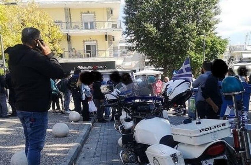 Θεσσαλονίκη: Ακροδεξιοί επιτέθηκαν και τραυμάτισαν μέλη της ΚΝΕ