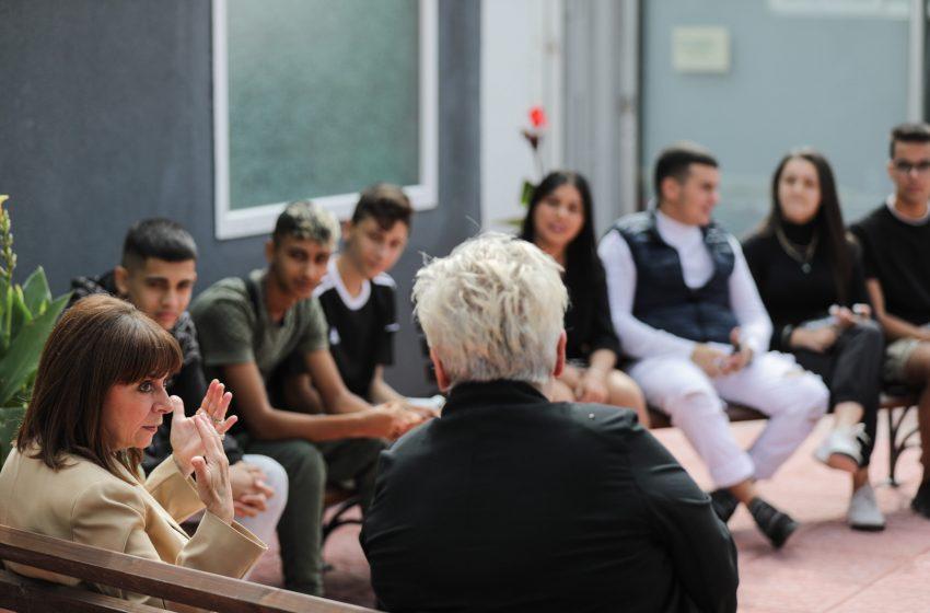 Σακελλαροπούλου: Οι νέοι πρέπει να απομονώσουν ακραία φασιστικά φαινόμενα