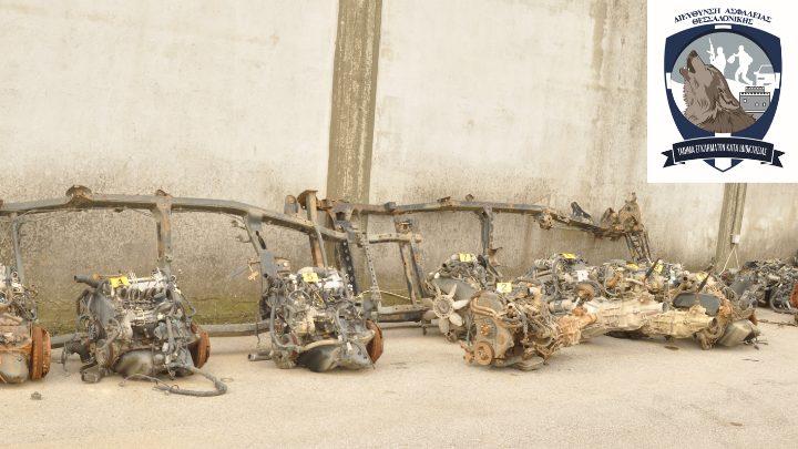 Κλεμμένοι κινητήρες αυτοκινήτων σε κατάστημα ανταλλακτικών