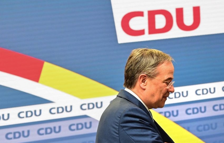 Λάσετ μετά την παραίτησή του από την ηγεσία του CDU: Να αλλάξει το σύνολο της ηγεσίας του κόμματος