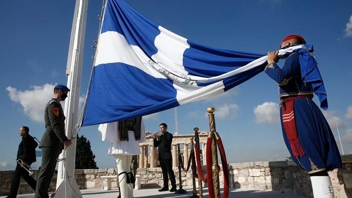 H ΠτΔ στην Ακρόπολη για την έπαρση της σημαίας, στο πλαίσιο του εορτασμού της 77ης επετείου απελευθέρωσης των Αθηνών